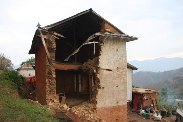 Kalikasthan-damaged-house