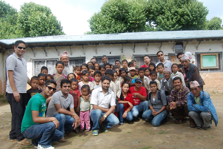 10_Group photo after the plantation at Shree Raktakali Primary School