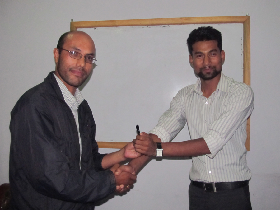 7_Best manual speaker of the day Dev Raj Karki with the award