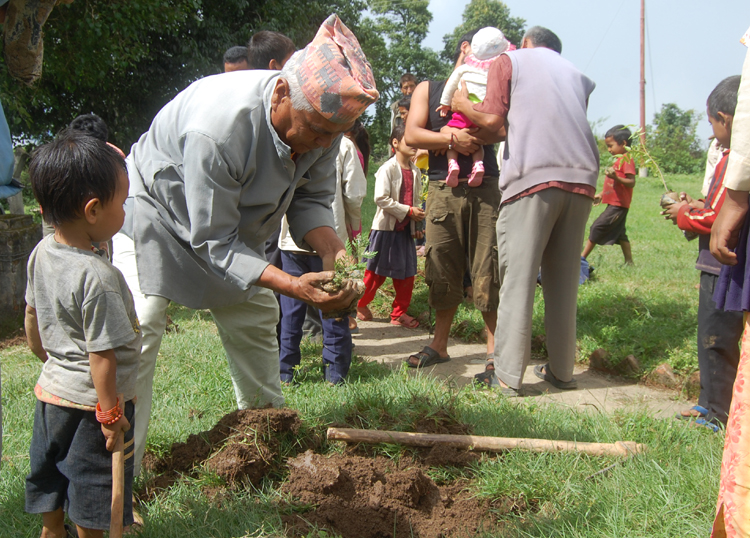 7_Community member involving in tree plantation