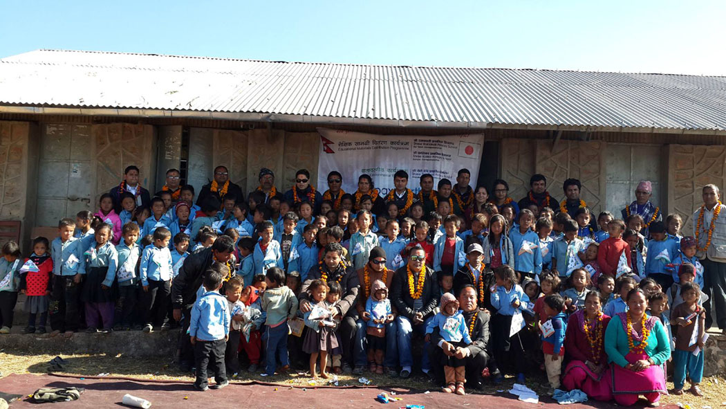 5_Group photo at Seti Devi School