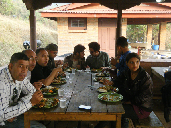 7_Participants enjoying lunch