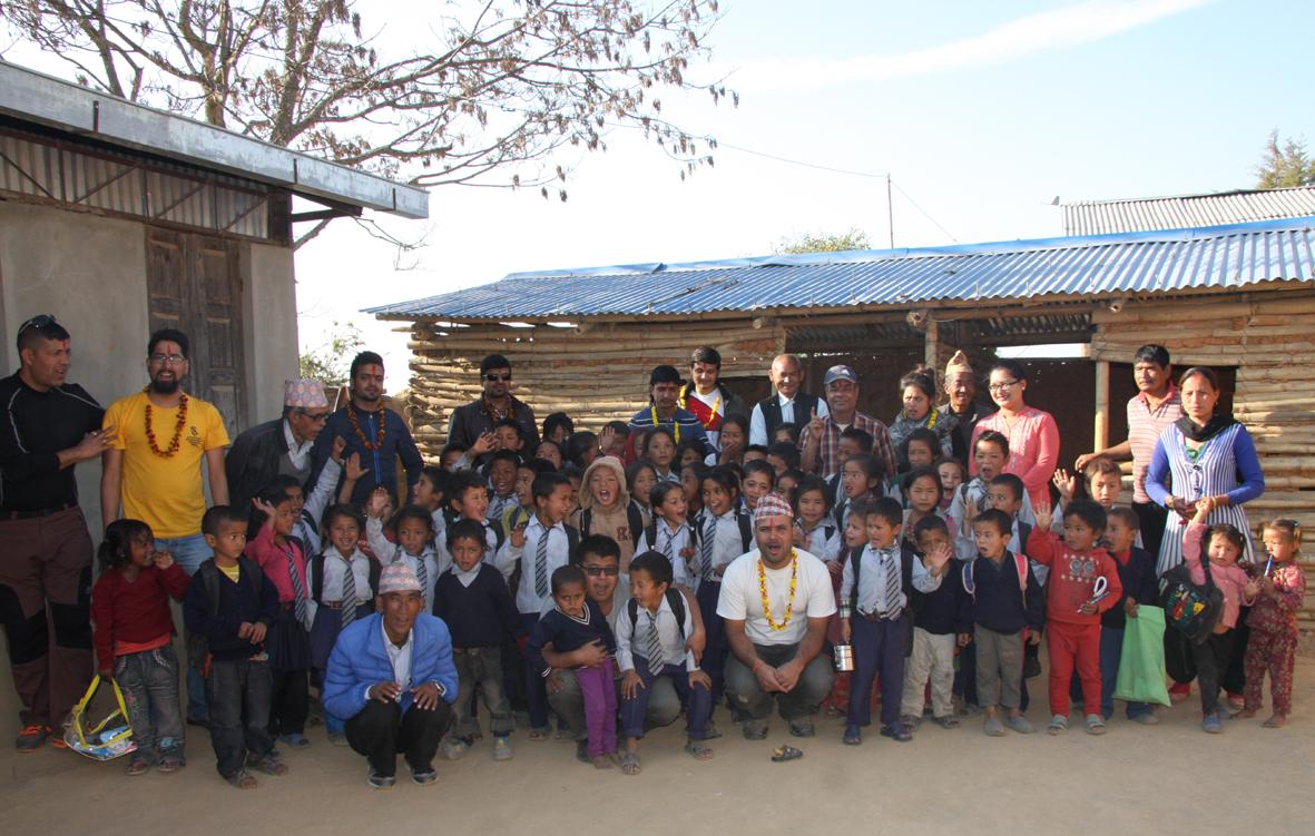 12_Group photo at Raktakali school