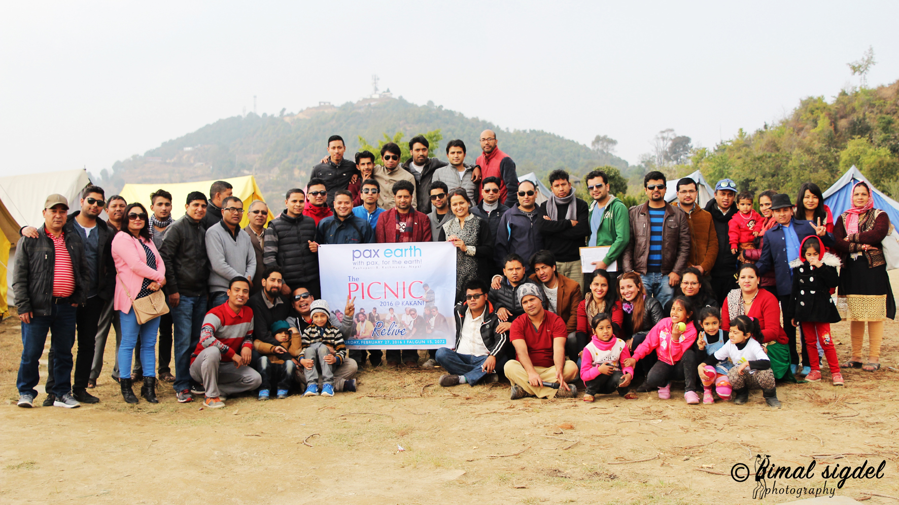 1_Group photo of picnic